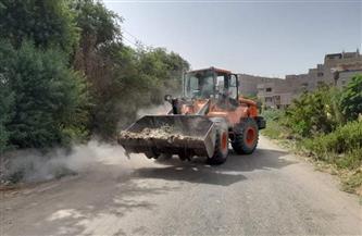 رفع 5 أطنان من الأتربة والمخلفات الصلبة بمدخل قرية العضايمة والطريق السريع بالأقصر