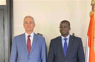 سفير مصر لدى كوت ديفوار يلتقي وزير البترول والطاقة والمناجم الإيفواري