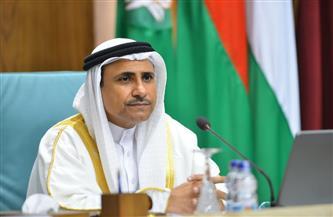 رئيس البرلمان العربي يصل القاهرة لبحث التطورات الأخيرة في فلسطين