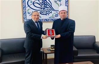 سفير مصر بتيرانا يبحث سبل تعزيز العلاقات بين الأزهر الشريف والمشيخة الإسلامية بألبانيا