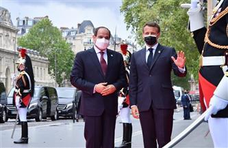 المتحدث الرئاسي ينشر صور استقبال ماكرون  للرئيس السيسي بقصر المؤتمرات بباريس