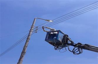 صيانة 27 كشافًا خلال حملة لصيانة الكهرباء فى مركز كوم حمادة