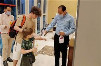 فنادق الغردقة تستقبل أول فوج سياحي روسي قادما عن طريق مطار القاهرة | صور