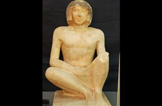 تمثال للطبيب عنخ رع الثاني.. قطعة شهر مايو بالمتحف المصري بالتحرير