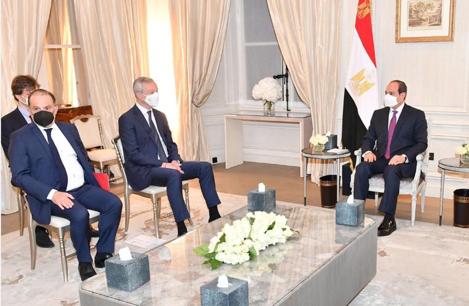 الرئيس السيسي يستقبل وزير الاقتصاد والمالية الفرنسي بمقر إقامته في باريس