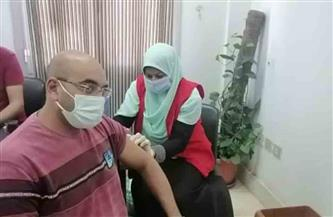 تطعيم العاملين بميناءي سفاجا والغردقة بلقاح فيروس كورونا  صور