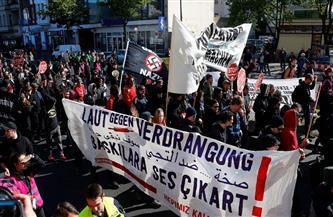الشرطة تشتبك مع محتجين يحتفلون بيوم العمال في برلين