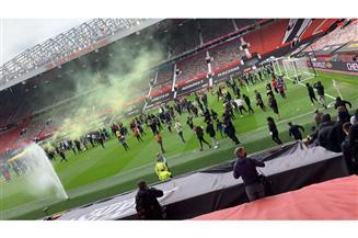 جماهير مانشستر يونايتد تجتاح ملعب «أولد ترافورد» قبل مواجهة ليفربول