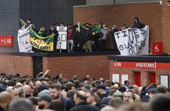 تأجيل لقاء ليفربول ومانشستر يوناتيد بعد اقتحام الجماهير لملعب اللقاء