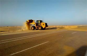 رفع الرمال المتحركة على طريق (الفرافرة - ديروط)| صور