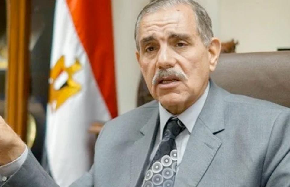 محافظ كفر الشيخ يقدم العزاء في ضحايا حادث حريق أبو تماده ويوجه بتقديم الرعاية الطبية للمصابين