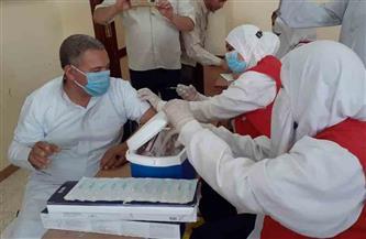 """""""صحة الفيوم"""": تطعيم العاملين بالوحدة المحلية بمركزي طامية وإطسا بلقاح """"كورونا""""  صور"""