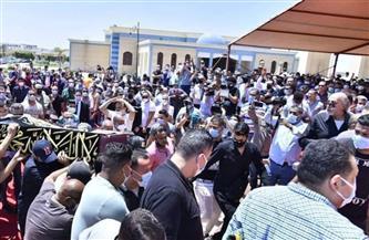 نجوم الفن يؤدون صلاة الجنازة على سمير غانم