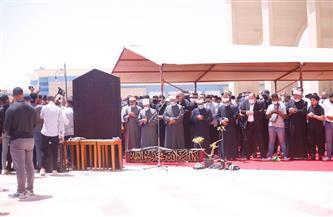 أسامة الأزهري يؤم المصلين في جنازة الفنان سمير غانم بمسجد المشير | صور