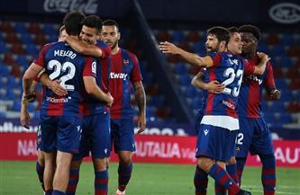ليفانتي يتعادل مع قادش 2/2 في الدوري الإسباني