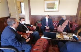 """وزير التعليم العالي يعقد اجتماعًا مع وفد """"جان مولان ليون 3"""" لبحث توقيع اتفاقية مع جامعة العلمين"""