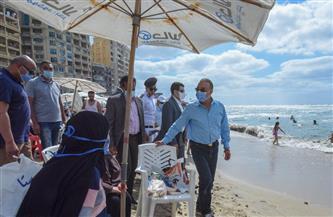 محافظ الإسكندرية يجري جولة تفقدية على الشواطئ لمتابعة الالتزام بالإجراءات الاحترازية |صور