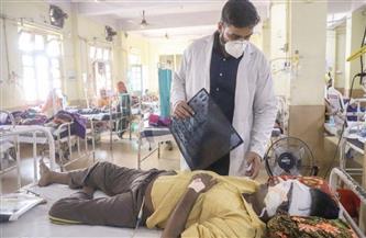 طبيب من الهند يكشف الفرق بين الإصابة بكورونا والفطر الأسود | فيديو