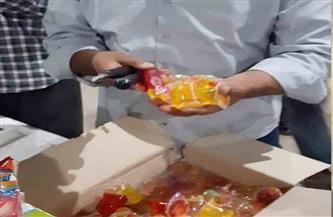 ضبط سلع غذائية مجهولة المصدر ومنتهية الصلاحية بمدينة الأقصر | صور