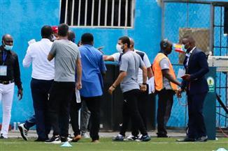 مشاجرة ومضايقات لبيراميدز في ملعب أنيمبا| صور