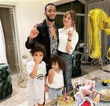 محمد رمضان وسط زوجته وأبنائه: «كل سنة وأنتم معايا»