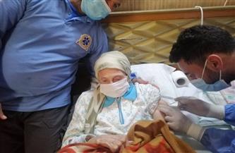 صحة الدقهلية تقدم خدمة التطعيم المنزلي ضد كورونا لغير القادرين على الحركة   صور