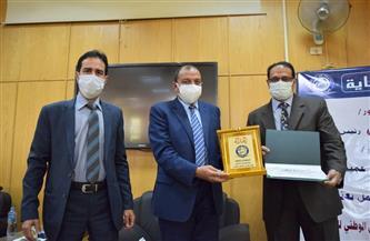 رئيس جامعة بني سويف يُكرم الصحفيين والإعلاميين   صور