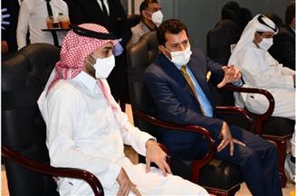 وزير الرياضة ونظيره النيجيري ورئيس الاتحاد العربي يشاهدون مباراة المغرب والسعودية فى كأس العرب