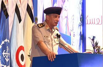 وزير الدفاع يشهد مناقشة البحث الرئيسي للشئون المعنوية   صور
