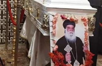 الكنيسة تقيم صلوات التجنيز على أسقف ورئيس دير الشايب وسط حضور محدود |صور