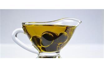 """منها تقليل خطر الإصابة بسرطان الأمعاء.. 4 فوائد  لـ""""زيت الزيتون"""""""