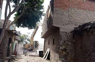 """محافظة القاهرة تواصل أعمال إزالات """"بطن البقرة"""" العشوائية بحي مصر القديمة"""