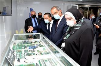 وزيرا الاتصالات والصناعة يشهدان تدشين خطوط إنتاج أول منتج عربي من التابلت واللاب توب