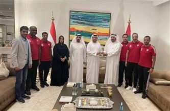 """""""الشامسي"""" يكرم فريق منتخب كرة القدم للصالات الإماراتي"""