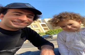ابنة علي ربيع تدخل المستشفى ووالدتها تطالب بالدعاء لها
