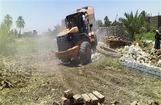 إزالة 4 حالات تعدٍ على الأرض الزراعية في الدلنجات ورشيد