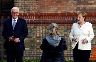 متحدث باسم ميركل: المستشارة الألمانية تكن احتراما كبيرا لشتاينماير