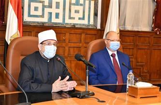 وزير الأوقاف ومحافظ القاهرة يؤديان صلاة الجمعة بمسجد السلطان فرج بن برقوق