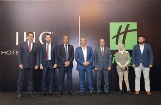 """""""المجتمعات العمرانية"""" تشهد توقيع عقد إنشاء أول فندق سياحي بإدارة عالمية بصعيد مصر"""