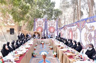 البابا تواضروس يلتقي أحبار الكنيسة في دير السريان على مائدة إفطار | صور