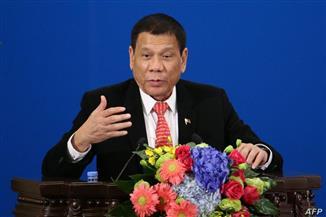 الرئيس الفلبيني يحصل على لقاح سينوفارم ضد فيروس كورونا