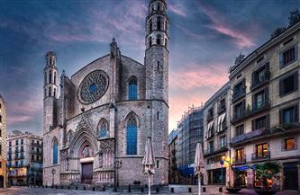 """""""كلنا واحد"""".. كنيسة في برشلونة تستضيف المسلمين في إفطار رمضان"""