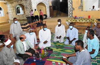 محافظ أسوان يشارك أهالى قرية تنقار النوبية إفطار رمضان | صور