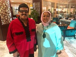 حسن الرداد يشعل السوشيال ميديا بصورة لوالدته مع سمير غانم