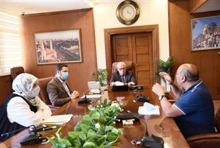 محافظ بورسعيد يستعرض تطورات العمل فى مشروعات حي الضواحي | صور