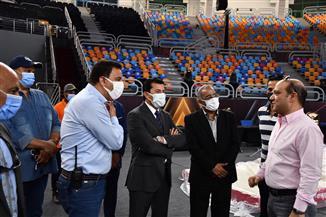 وزير الشباب والرياضة يقوم بجولة تفقدية باستاد القاهرة الدولي