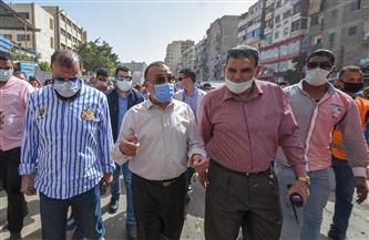 محافظ الإسكندرية يقوم بجولة مفاجئة داخل سوق الهانوفيل بالعجمي   صور