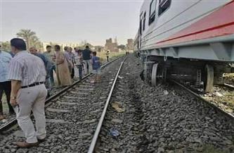 """السكة الحديد: خروج عجلة بإحدى عربات قطار """"أسوان ـ القاهرة"""" عن القضبان بمحطة ببا"""