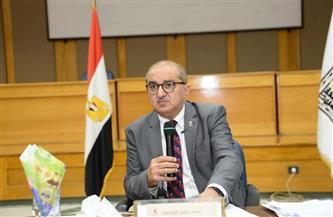 رئيس جامعة أسيوط يُعلن انخفاضا نسبيا في إجمالي أعداد مصابي كورونا