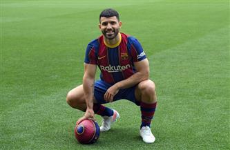 أجويرو يصف فريقه الجديد برشلونة الإسباني بالأفضل في العالم